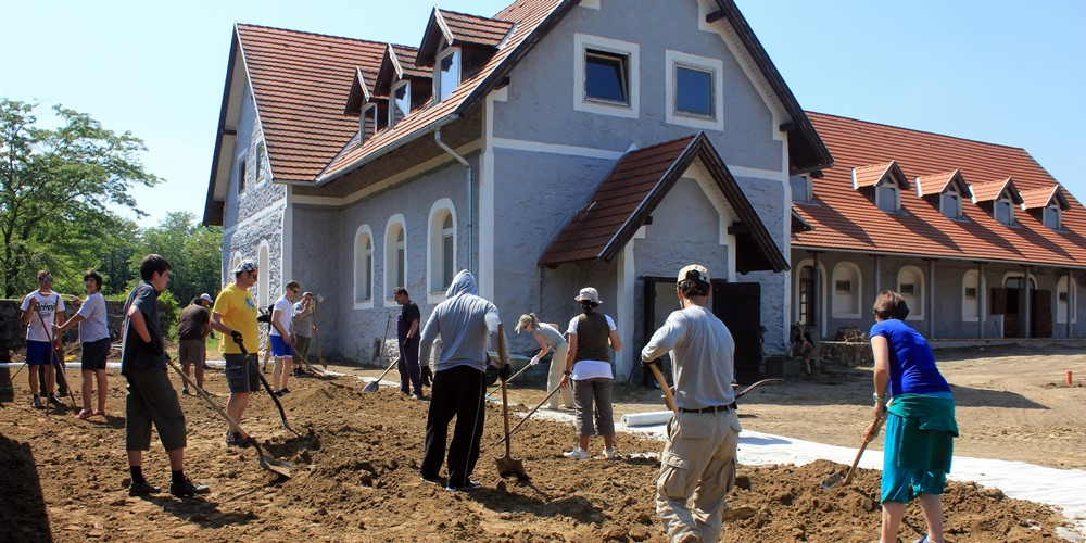 Munkálatok a Diska Majorban - Pécsi Hit Gyülekezete