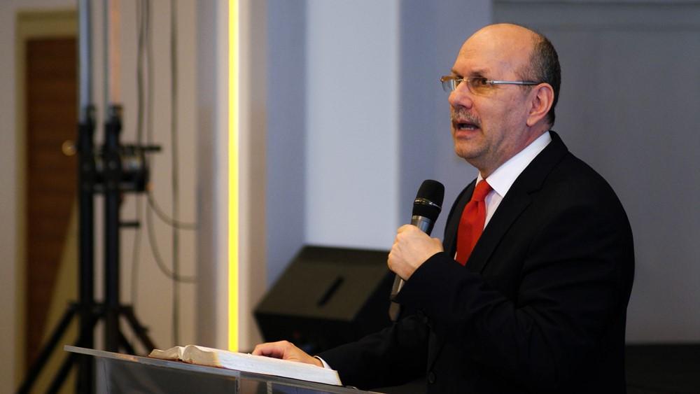 Dániel könyve próféciái segítenek a jövőre való felkészülésben - Dr. Hack Péter