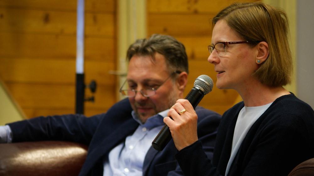 Ifjúsági fórum Dr. Dezső Lászlóval és feleségével, Krisztával