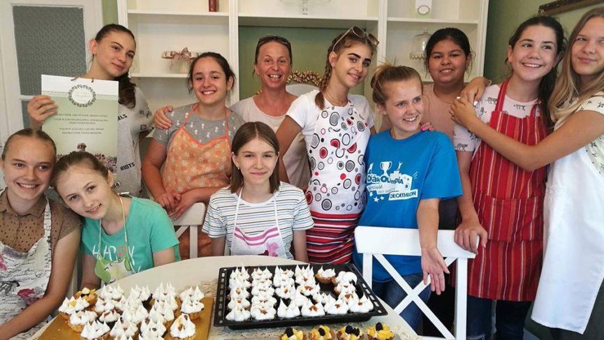 Nagy sikerű főzőtanfolyam fiatal hölgyek számára