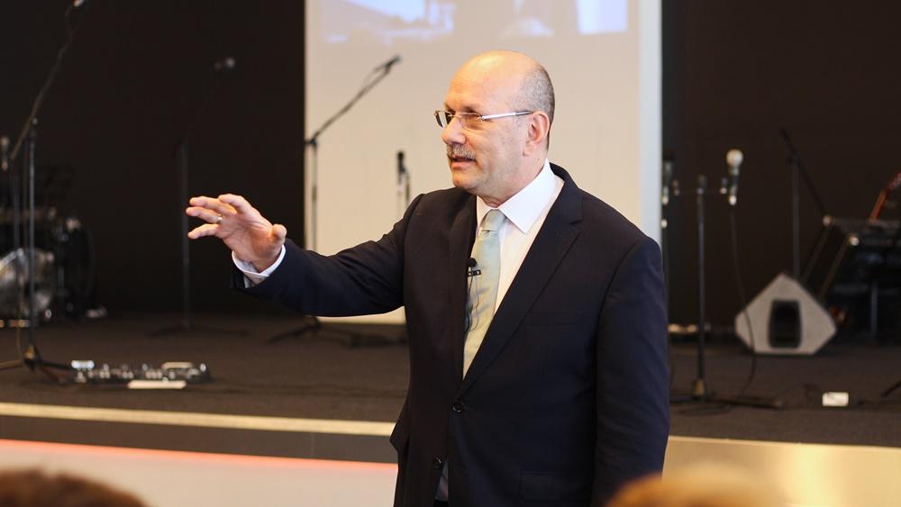 Maradj Krisztusban, hogy győztes lehessél - Dr. Hack Péter
