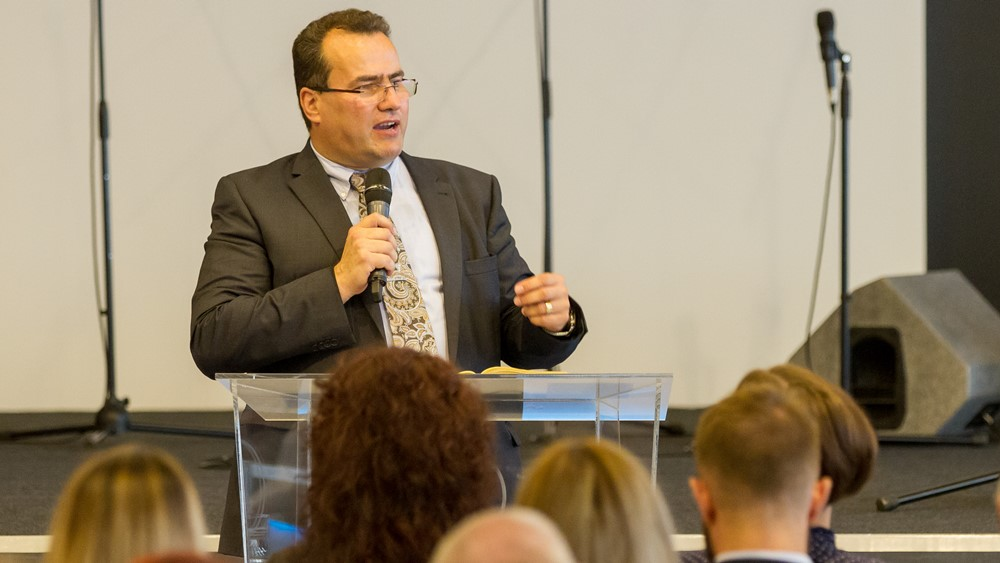Tartsuk meg a hitet és a reménységet, építsük az egyházat! - Nagy József vendégszolgálata