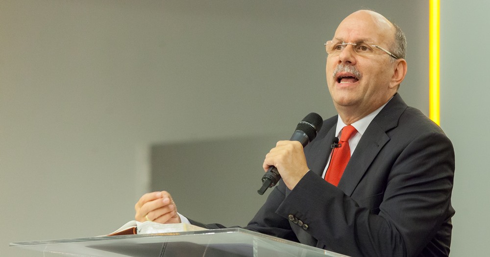 Teljes hittel, semmit sem kételkedve jöjjünk az Istentiszteletre - Dr. Hack Péter