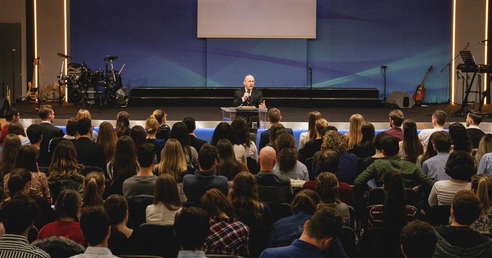 Hack Péter: A szellemi ember – Regionális ifjúsági alkalom