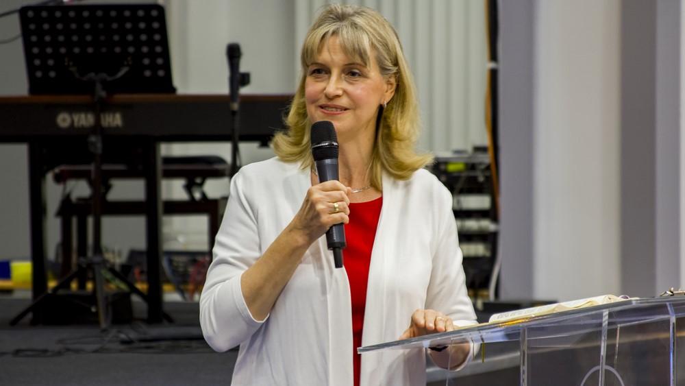 A nő helye az Istentől rendelt tekintélyi rendben - Hack Márta
