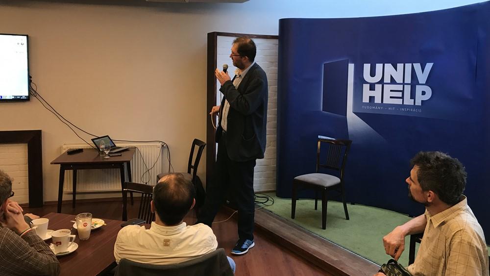 Dr. Mondovics Gábor volt az UNIV HELP vendége