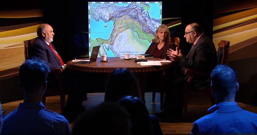 Vidám Vasárnap Klub - 2019.11.10. | A Biblia és a Birodalmak (vendég: Grüll Tibor és Dr. Hack Márta)